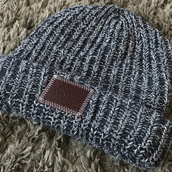 ... White Speckled Beanie. NWT. Love Your Melon.  M 5c799a35534ef9bafb9400ca. M 5c799a36aaa5b859601ced60.  M 5c799a377386bc74717f7199 6c893d7c46ca